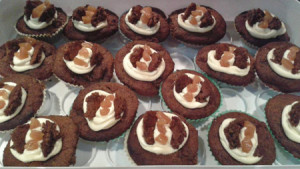 Sticky toffee cupcakes PS1